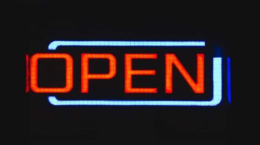Liste des magasins ouverts le dimanche : infos et détails des horaires par enseigne